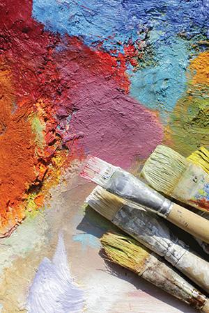 dieses Foto zeigt Pinsel und Farbe